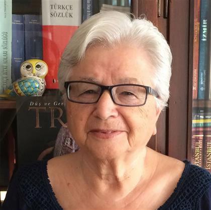 Ayla Çınaroğlu